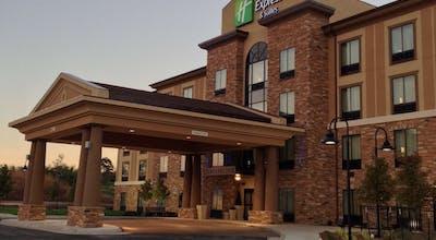 Holiday Inn Express Hotel & Suites Wichita Northeast