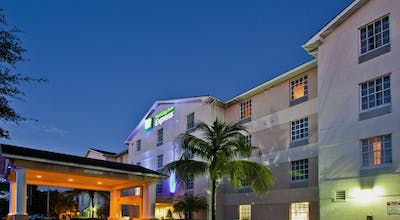 Holiday Inn Express & Suites NAPLES NORTH - BONITA SPRINGS